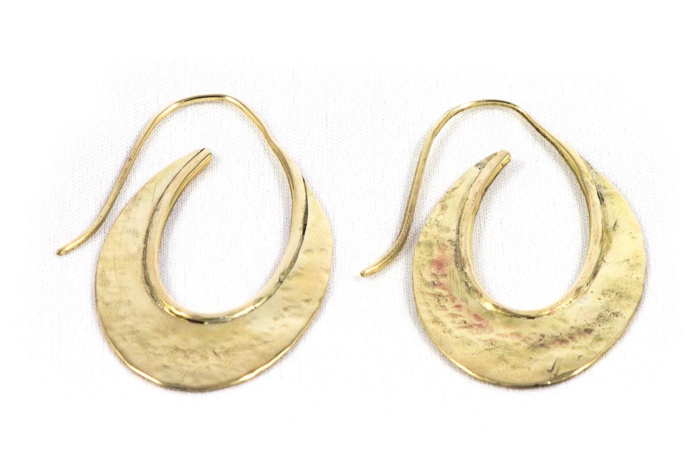 Boucles d'oreilles, laiton martelé