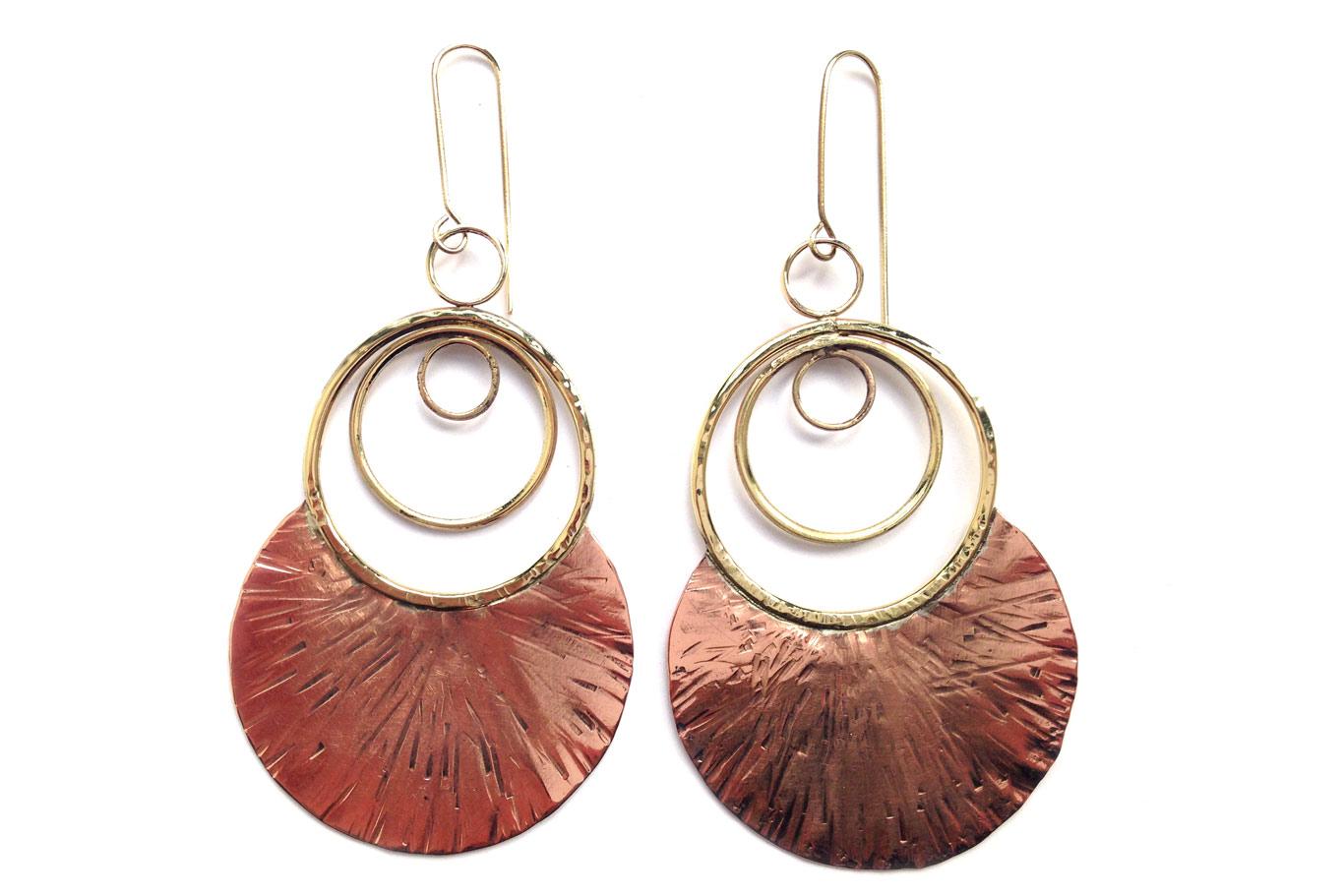 Boucles d'oreilles cuivre martelé et laiton