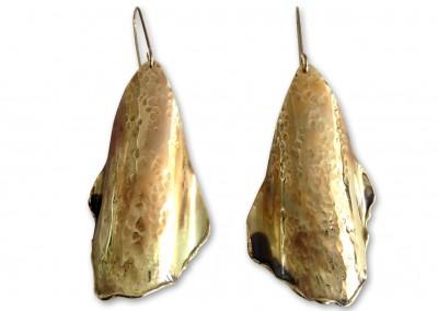 Boucles d'oreilles en laiton martelé, oxydé