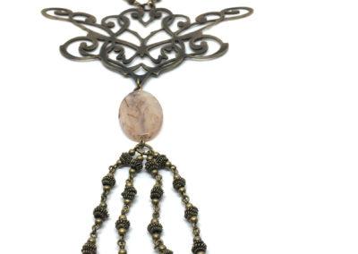 Collier baroque et perles de résine