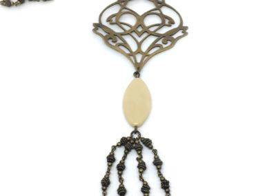 Collier baroque et perles de verre